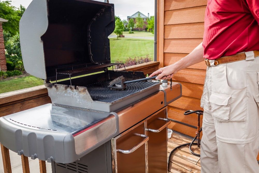 how to clean a moldy bbq grill